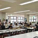 オープンキャンパス・カフェテリアの様子(2014/07/27)