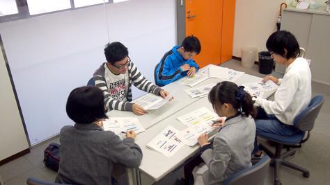 経営学科2年生の秋学期基礎ゼミナール(プレ専門ゼミナール)が始まりました