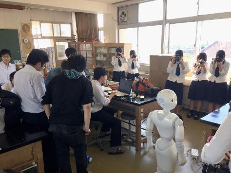 豊橋南高校でPepperプログラミングを実施しました(今井ゼミプロジェクト)