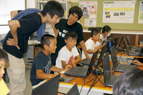 Hour of Code 夏休み プログラミング in 豊橋を開催しました(今井ゼミプロジェクト)