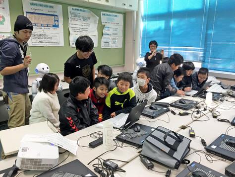吉田方小学校プログラミングクラブのPepper講座が始まりました(今井ゼミプロジェクト)