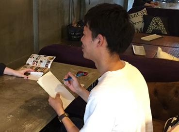 クーポン付のカフェ紹介パンフレットを配布・設置しています(和田プロジェクト)